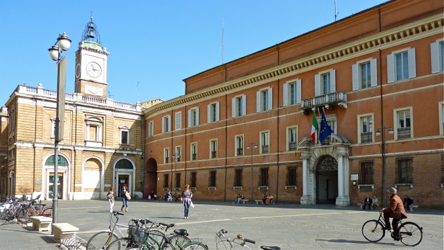 Piazza del Popolo, Ravenna, Emilia-Romagna, Italy. Photo: Andrew Cornwell. All rights reserved.